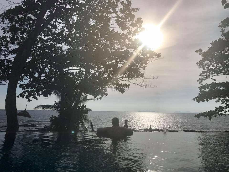 Coco Cape Infinity pool