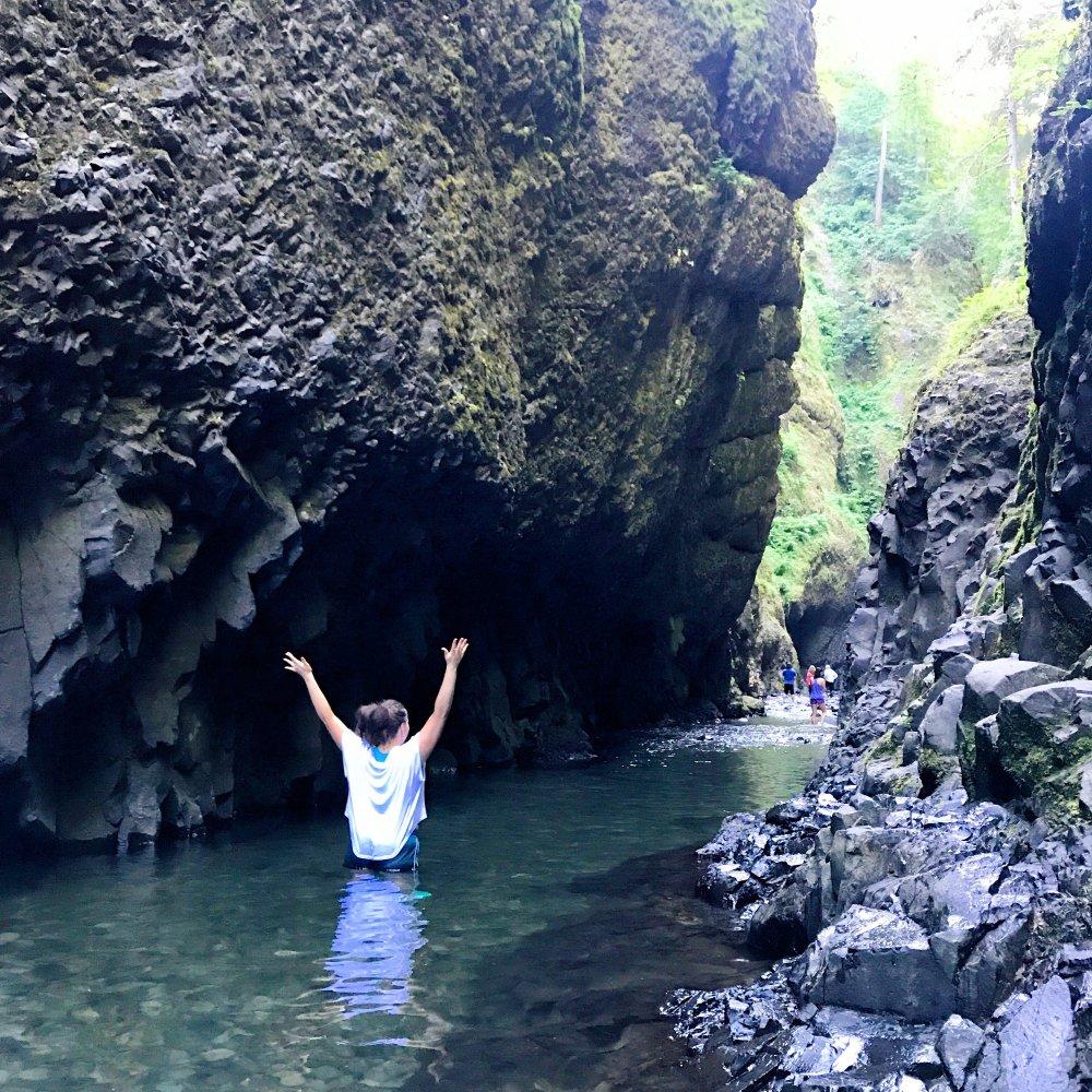 Oneonta-Falls-Gorge